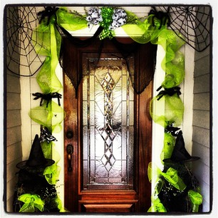 halloween decorating from the dollar stores - Halloween Decorations Store