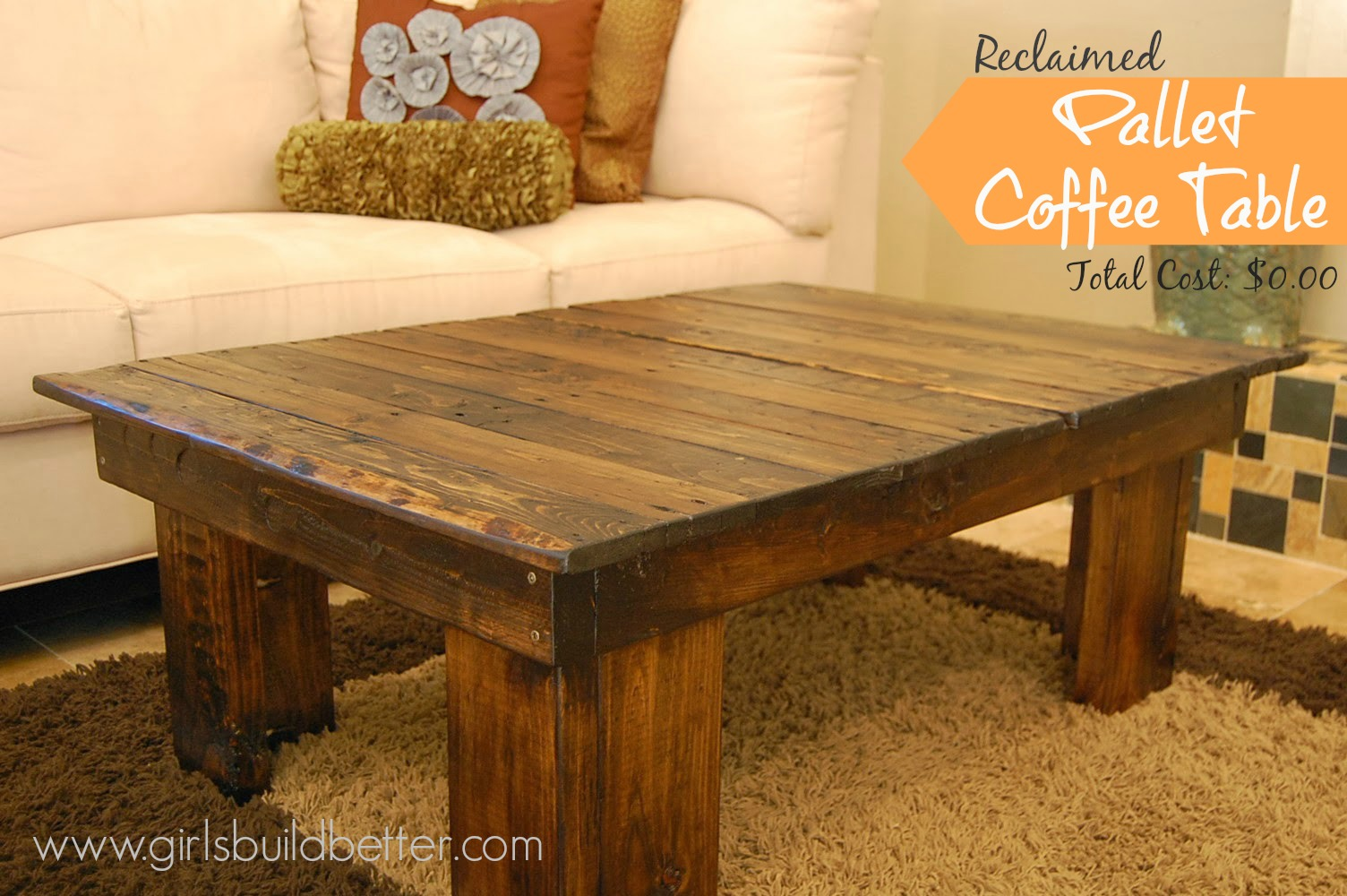 reclaimed pallet coffee table mylitter one deal at a time. Black Bedroom Furniture Sets. Home Design Ideas