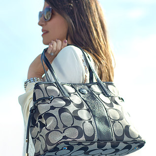 f298a87773dd57 Coach Purses on Zulily! - MyLitter - One Deal At A Time