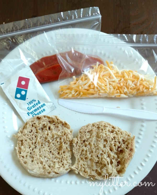 These DIY Pizza Lunchables are yummy, inexpensive and totally customizable to each child!