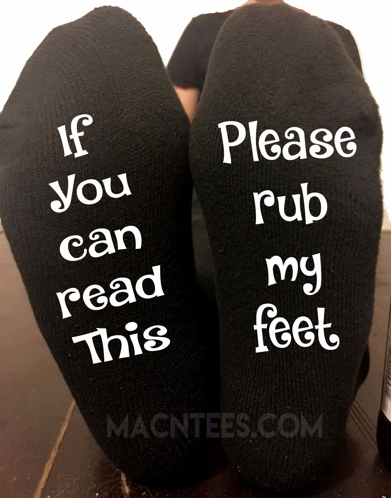 If You Can Read This Rub My Feet Socks Mens Or Womens